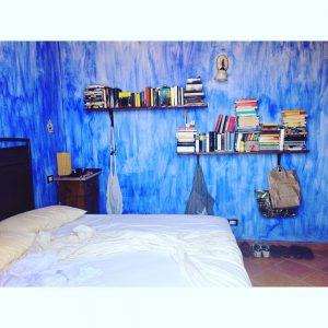 Our o so blue bedroom sicily travel kateivanimanmauitravel bluejeveux traditionalsicilyhellip