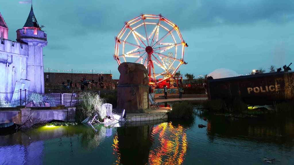 dismaland_banksy_thesquidstories